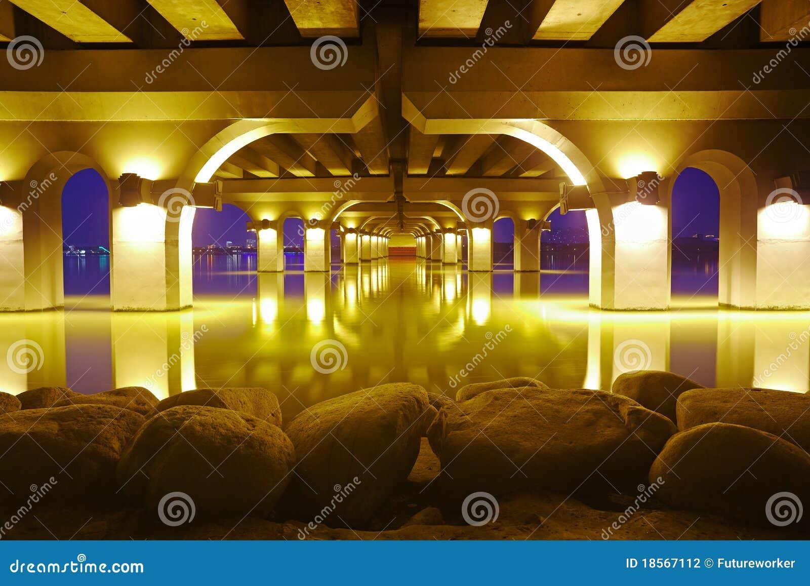 Night Scene Of Lihu Bridge Stock Photography - Image: 18567112: www.dreamstime.com/stock-photography-night-scene-lihu-bridge...