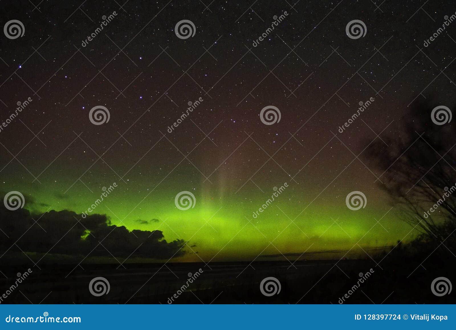 Night sky stars aurora polar lights big dipper constellation observing