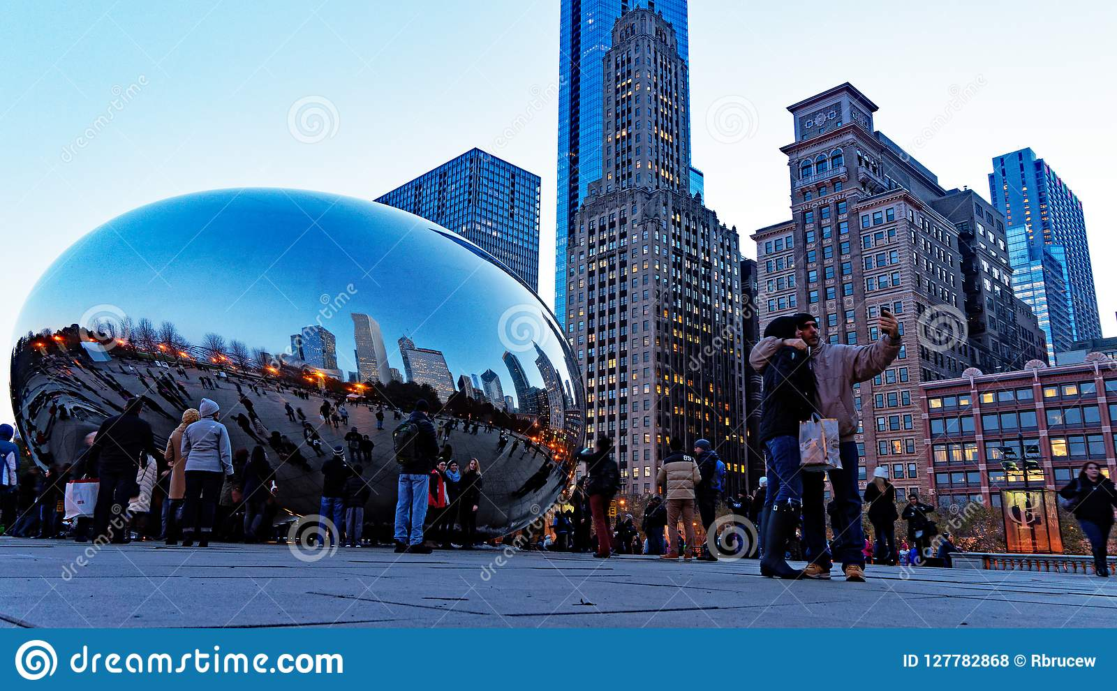 The Chicago Bean At Night, Millennium Park, Chicago Illinois, USA Editorial  Stock Photo - Image of public, skyline: 127782868