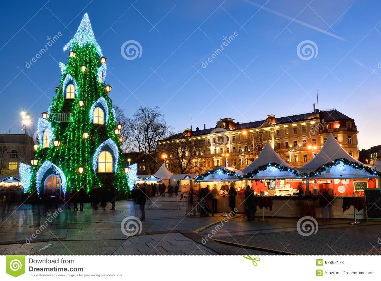 Night View Of The Christmas Tree In Vilnius Editorial Stock Photo - Image of beautiful ...