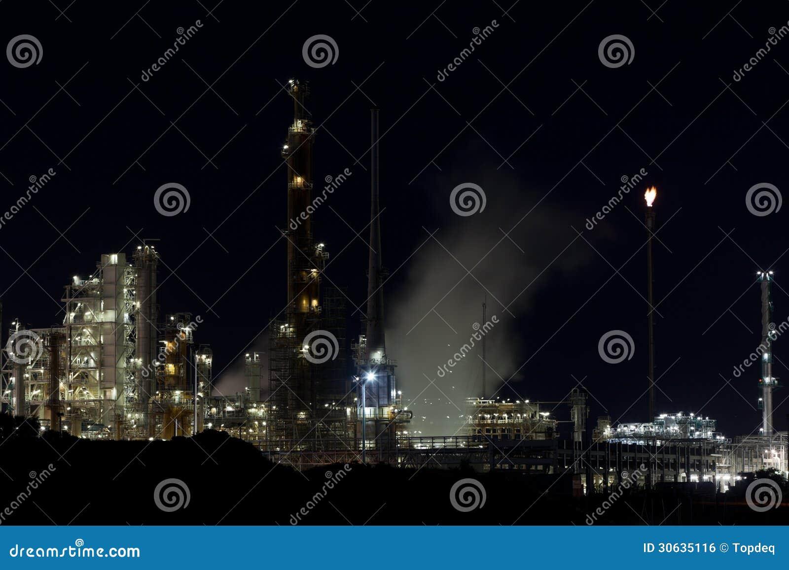 night-view-oil-refinery-plant-horizontal