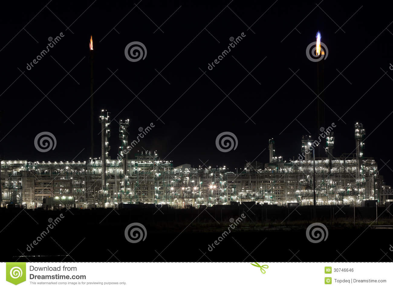 night-view-oil-refinery-plant-horizontal