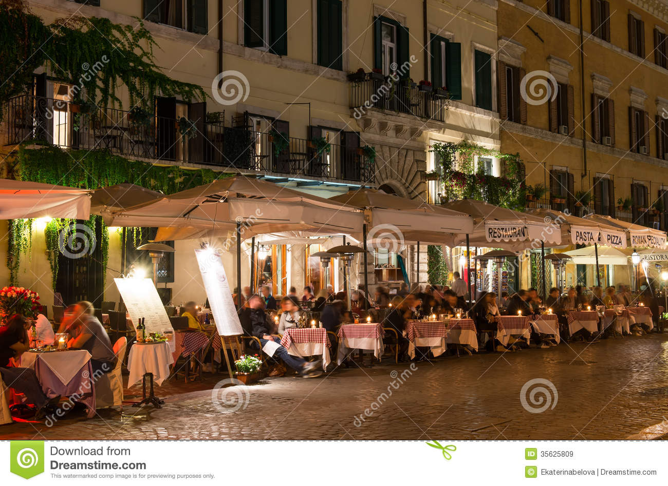 Night View Of Restaurants On Piazza Navona In Rome Royalty Free Stock Images Image 35625809