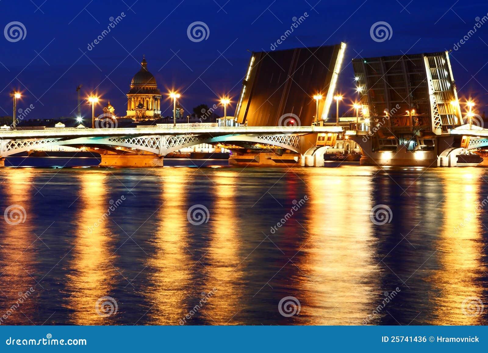 Night view of St. Petersburg