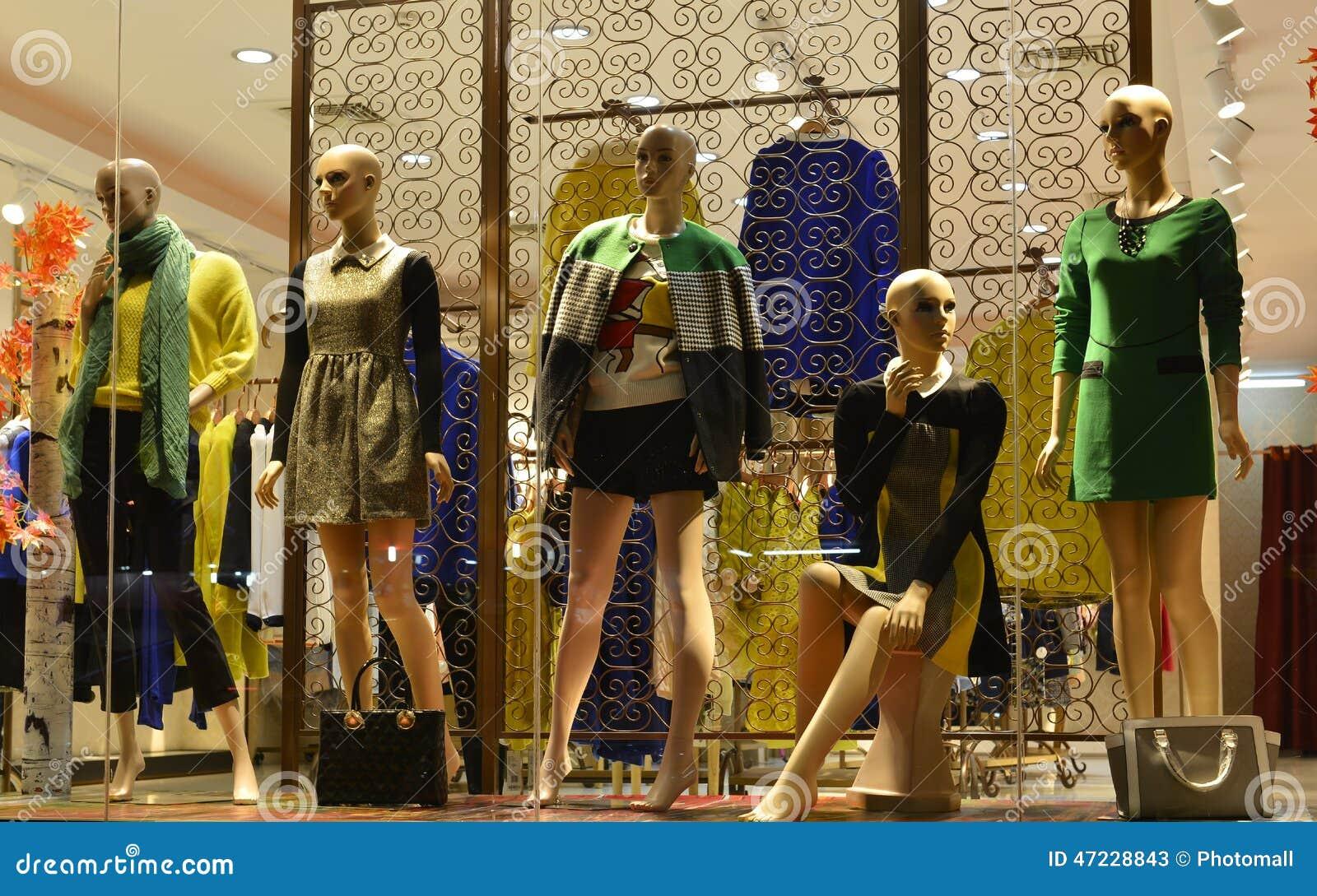 Clothing store manikin