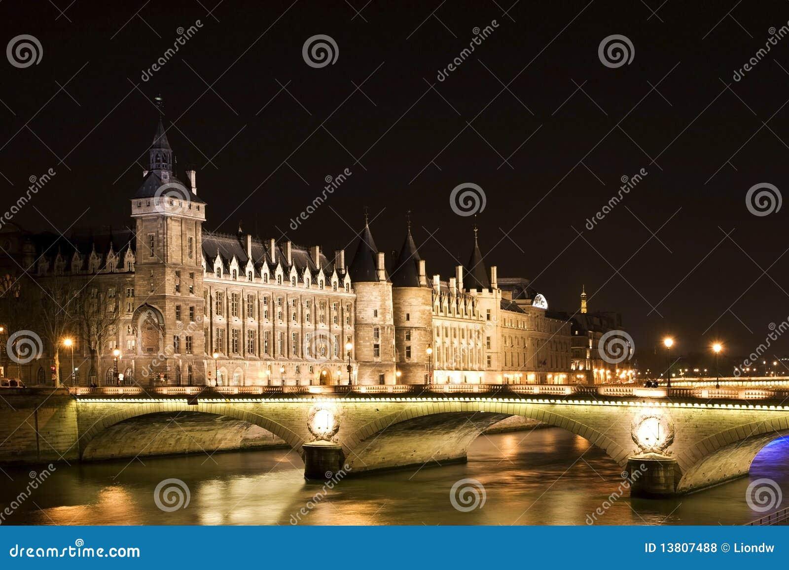Nightview van Gevangenis Bastille
