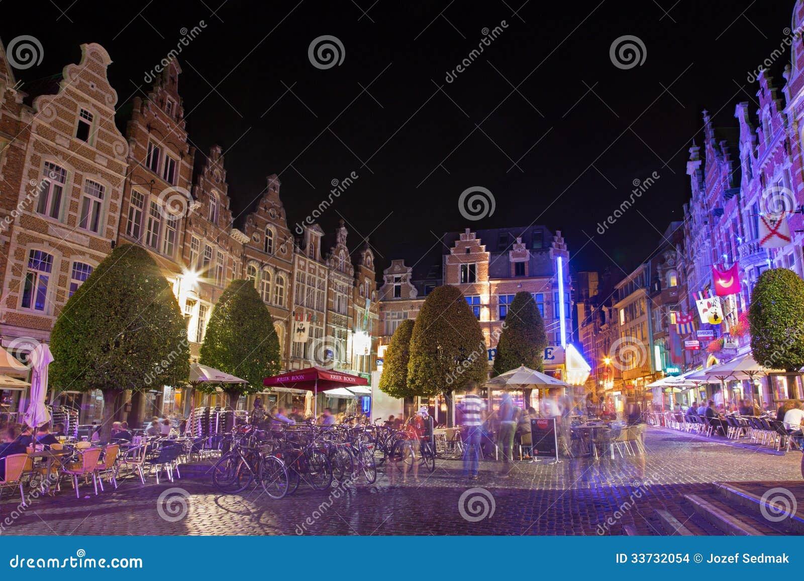 Лёвен - жизнь Nighty на Oude Markt