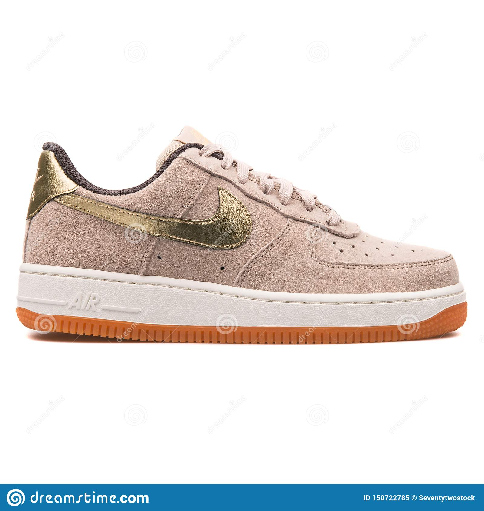 nike air force 1 nere e oro