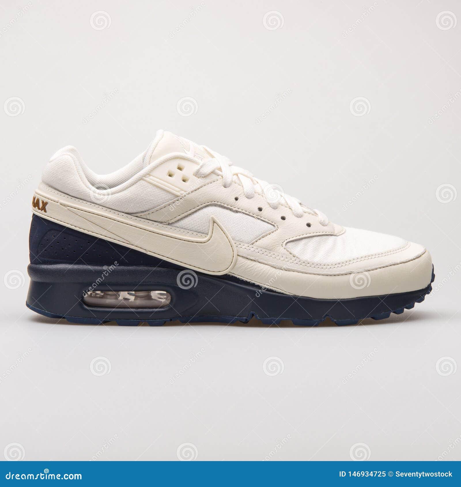 Nike Air Max BW Premium White And Navy Blue Sneaker