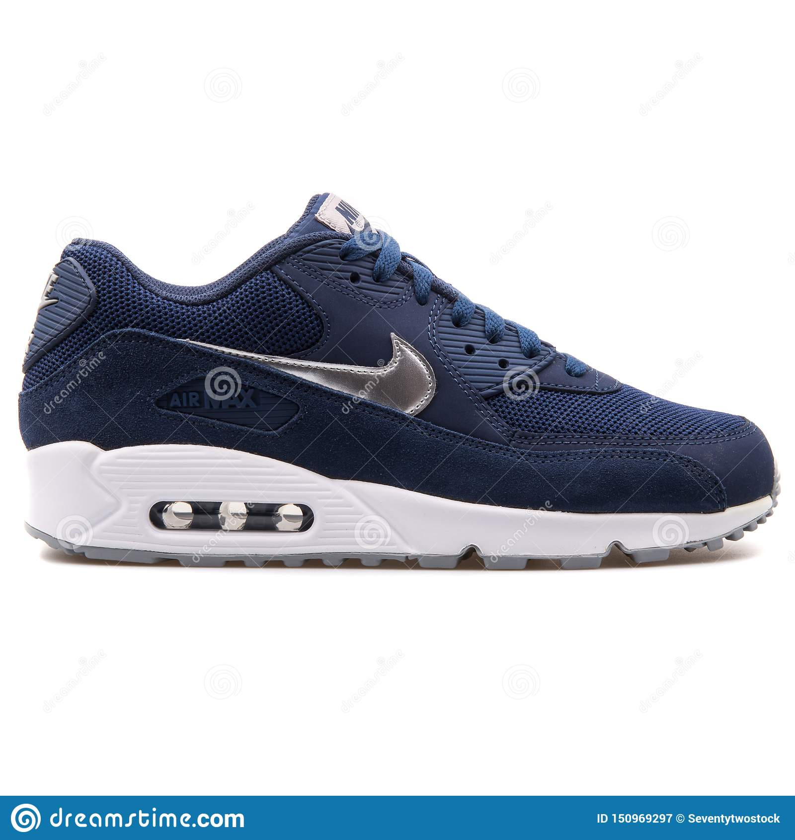 Camello montón demanda  Nike Air Max 90 Essential Navy Blue Sneaker Editorial Photography - Image  of leather, navy: 150969297