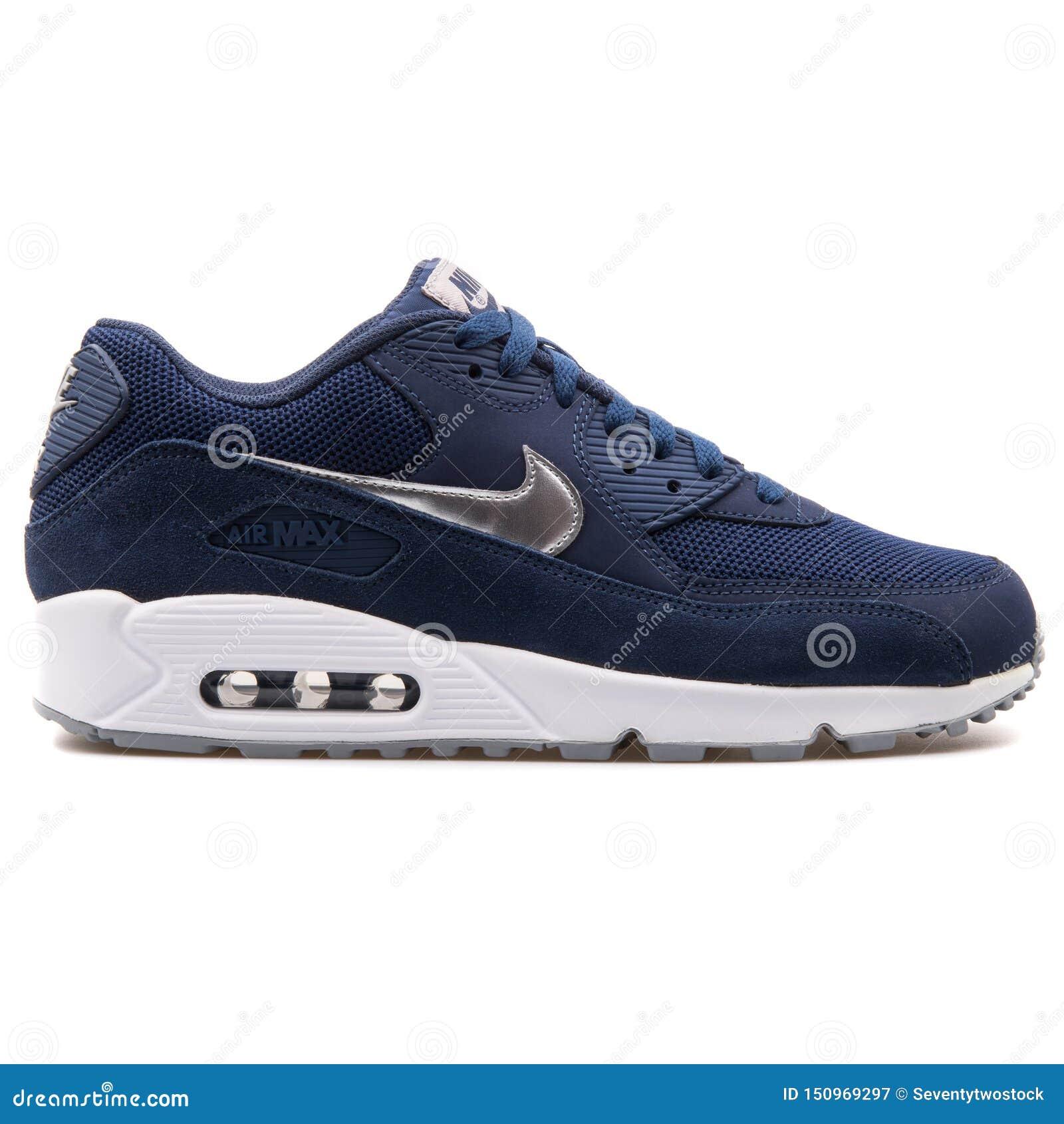 Montañas climáticas Posdata Mayordomo  Nike Air Max 90 Essential Navy Blue Sneaker Editorial Photography - Image  of leather, navy: 150969297