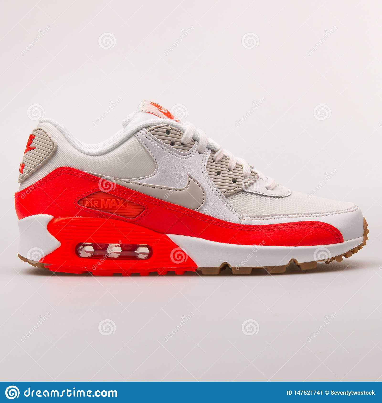 acheter pas cher 3f079 1a2dd Nike Air Max 90 Essential White And Red Sneaker Editorial ...
