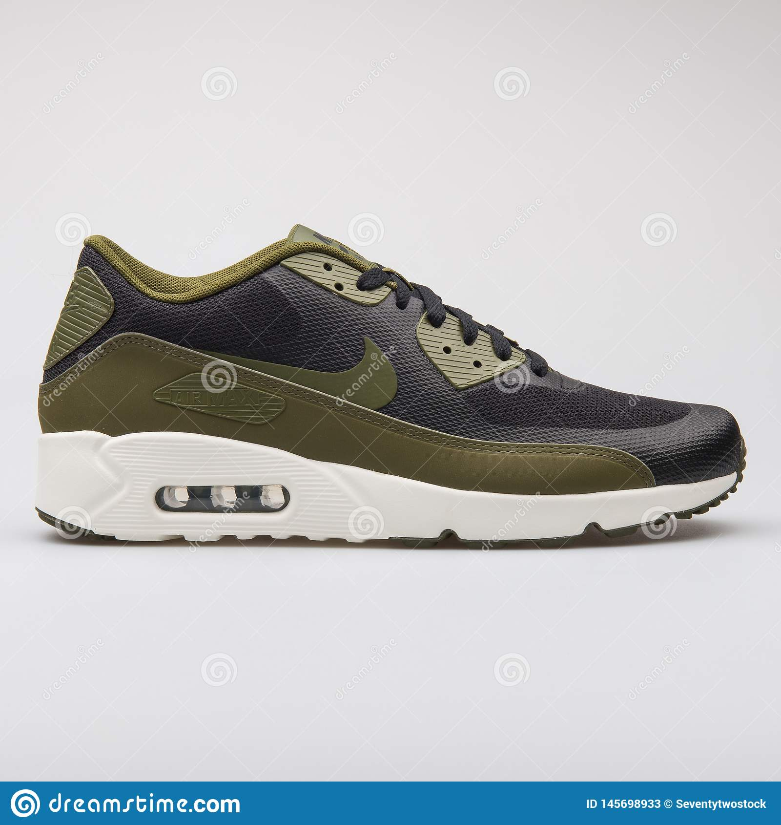 best service 894b9 bb03b Nike Air Max 90 Ultra 2.0 Essential Black And Green Sneaker ...