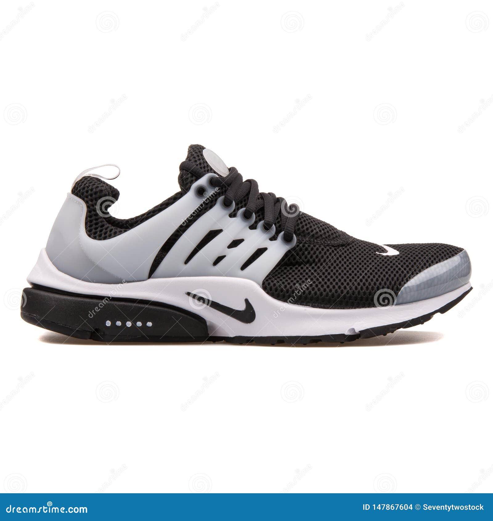 Nike Air Presto Black And White Sneaker