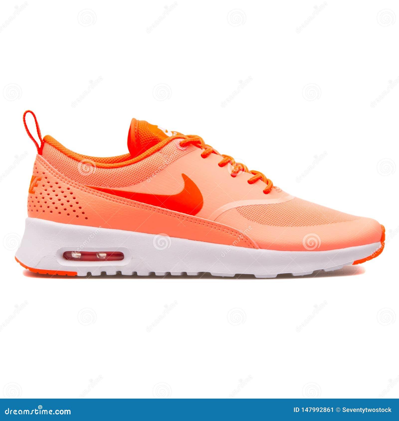 Nike Thea Lotniczy Max atomowy r??owy tenis?wka