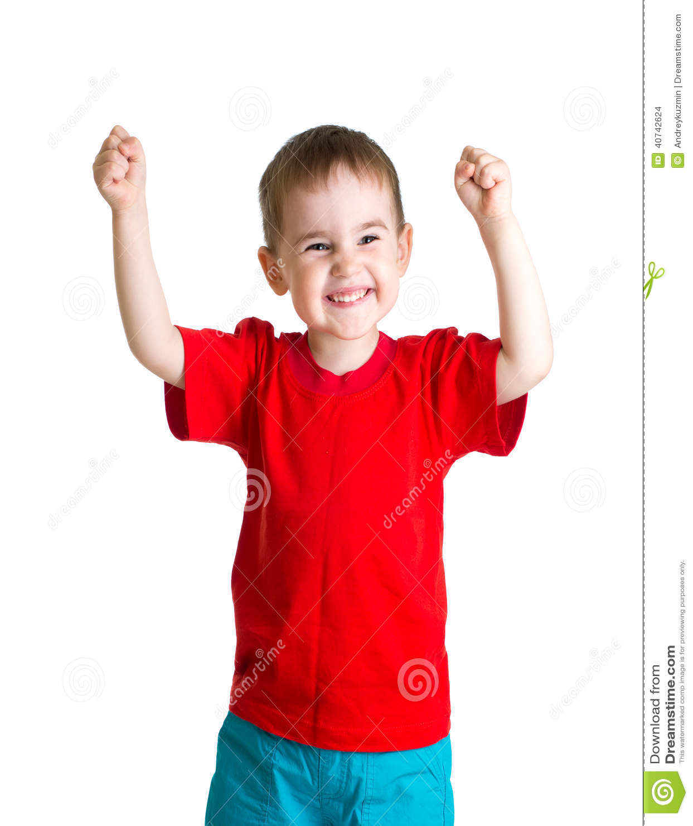 Niño Feliz En Camiseta Roja Con Las Manos Para Arriba ...