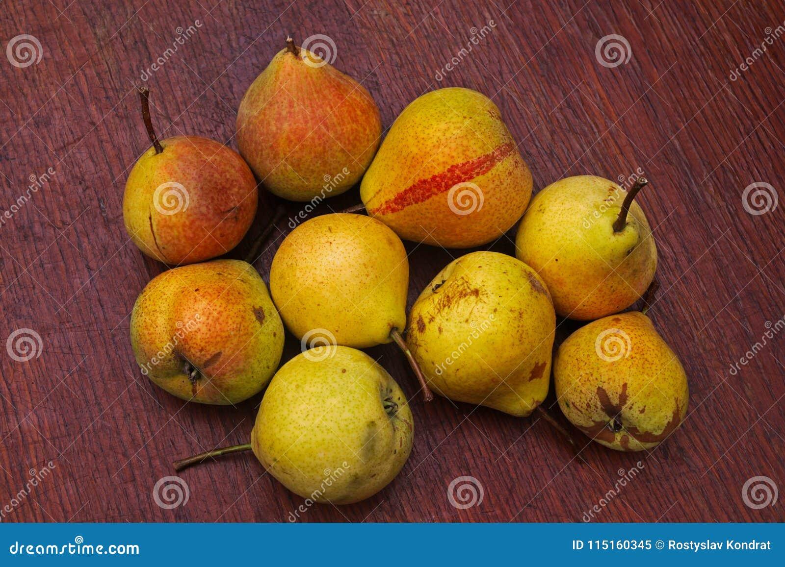 Nio mogna päron