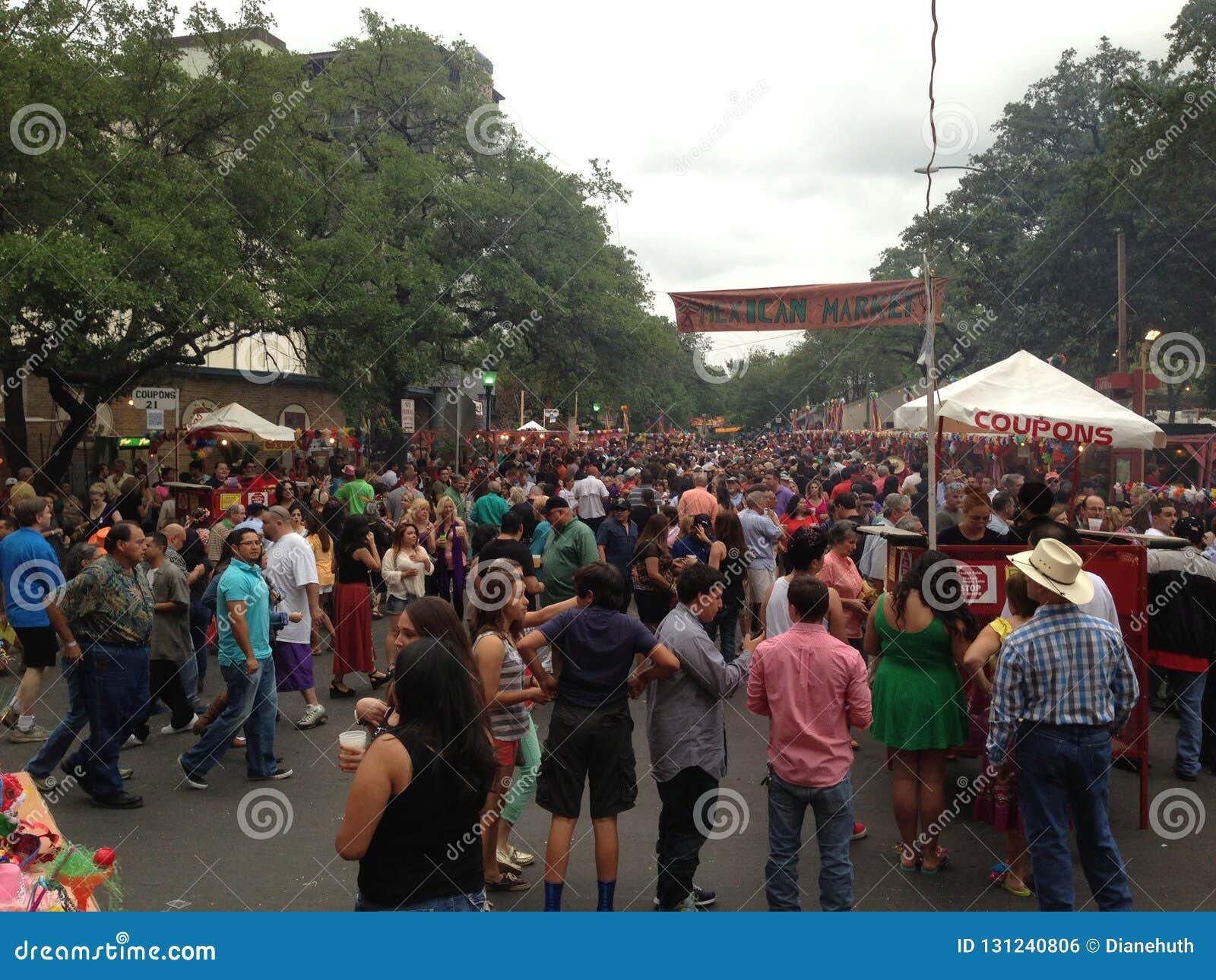 NIOSA fiesta wydarzenia tłumy