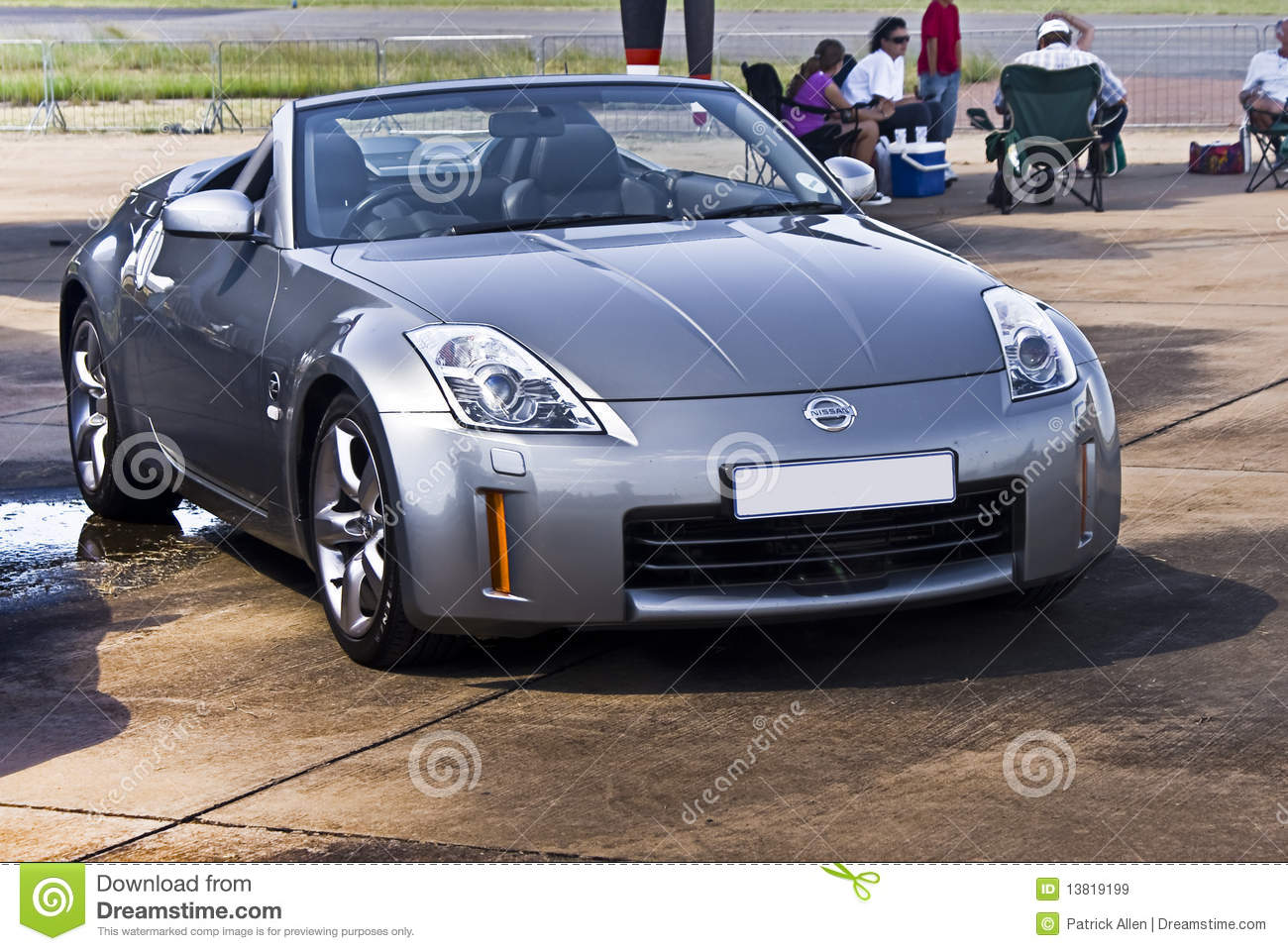 Nissan 350z Silver Convertible Editorial Stock Image Image Of Front Sportscar 13819199
