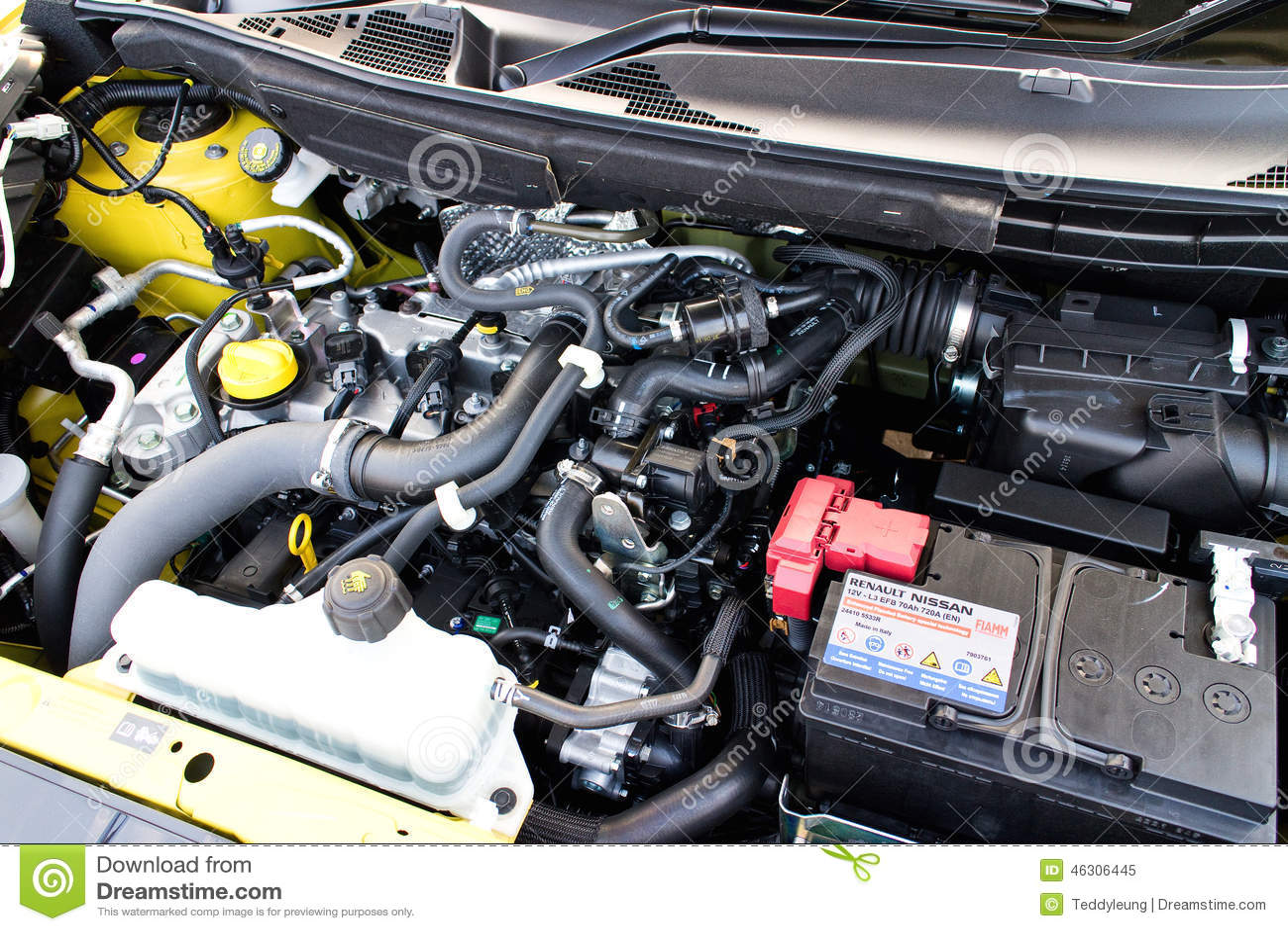 Nissan Juke 1 2 Dig Turbo 2014 Engine Editorial Image