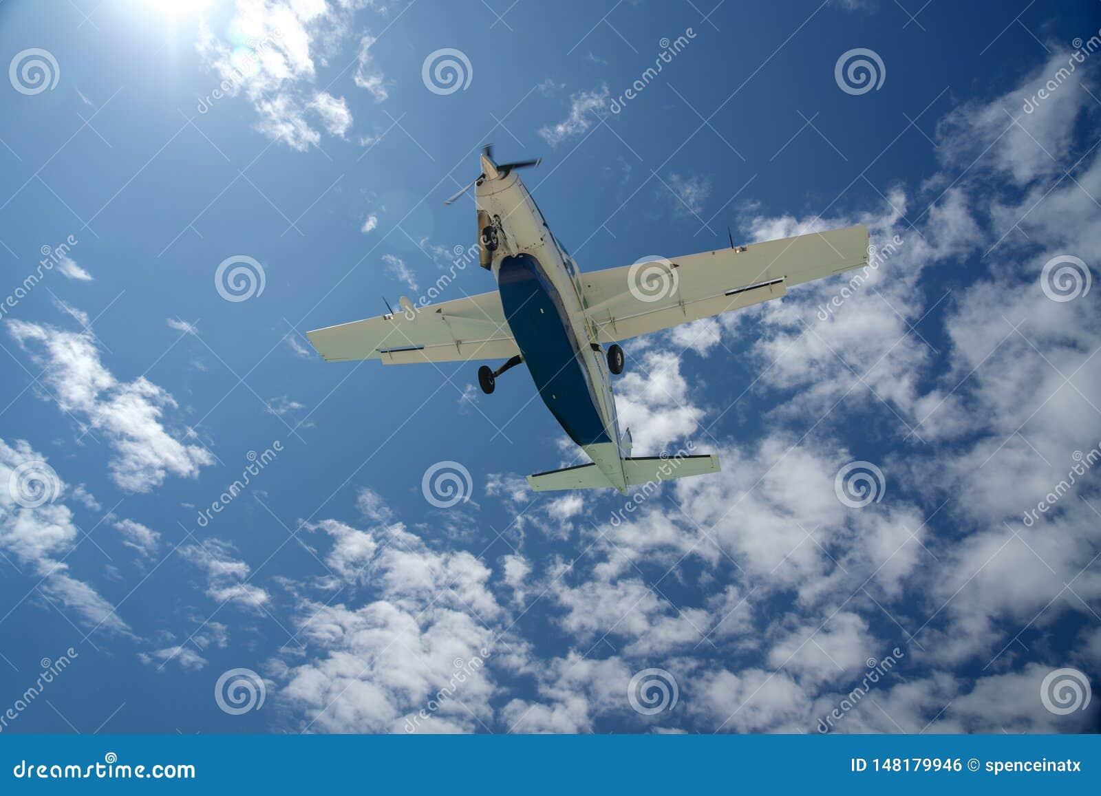 Nivå i himlen som in kommer för en landning