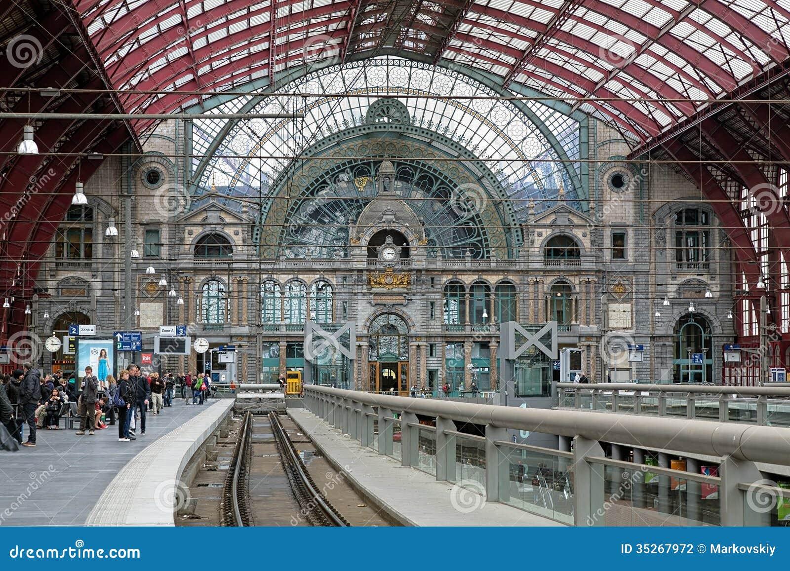 Nivel superior de la estación de tren central de Amberes