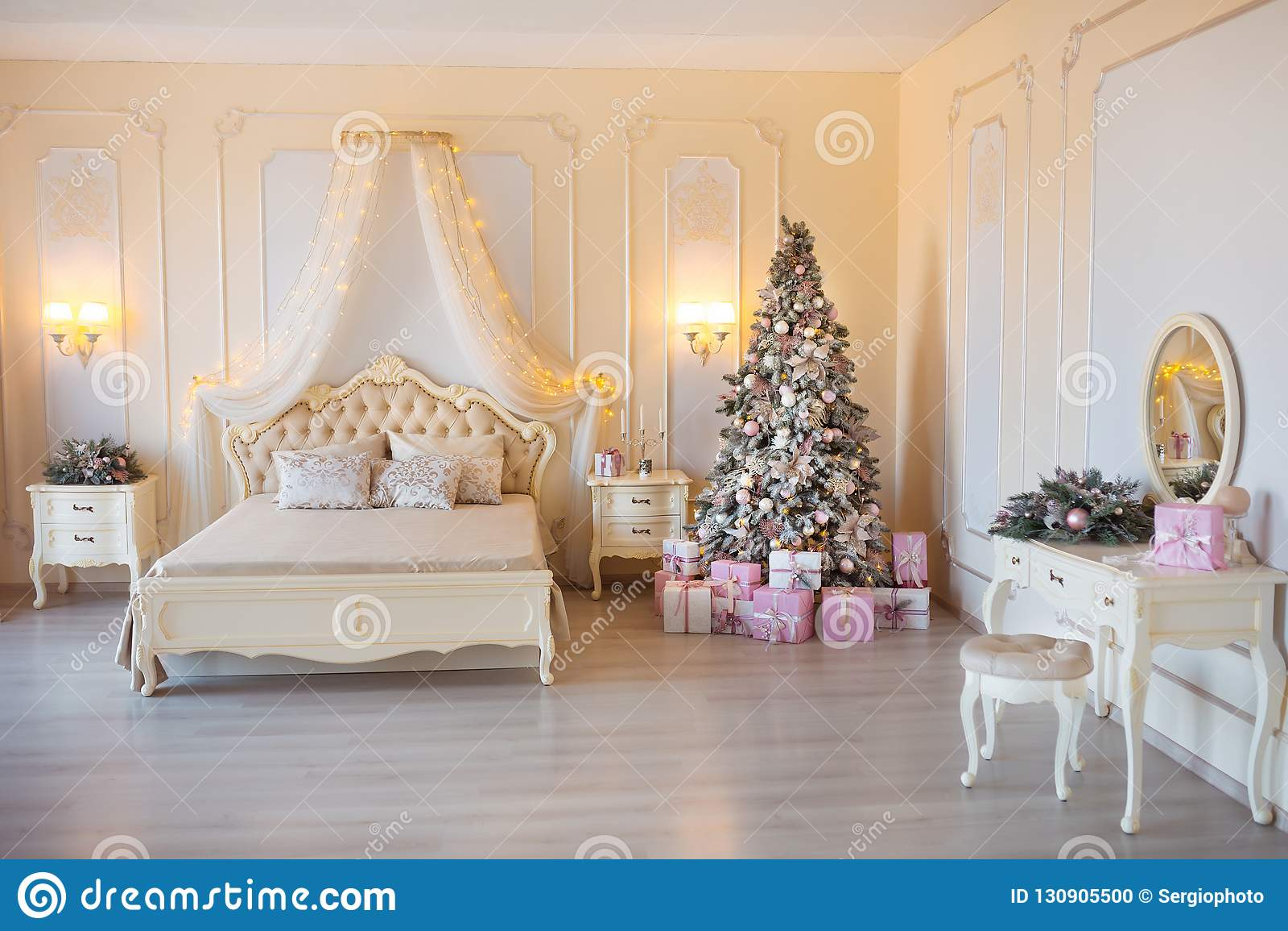 Noël Classique A Décoré La Pièce Intérieure Avec L Arbre De