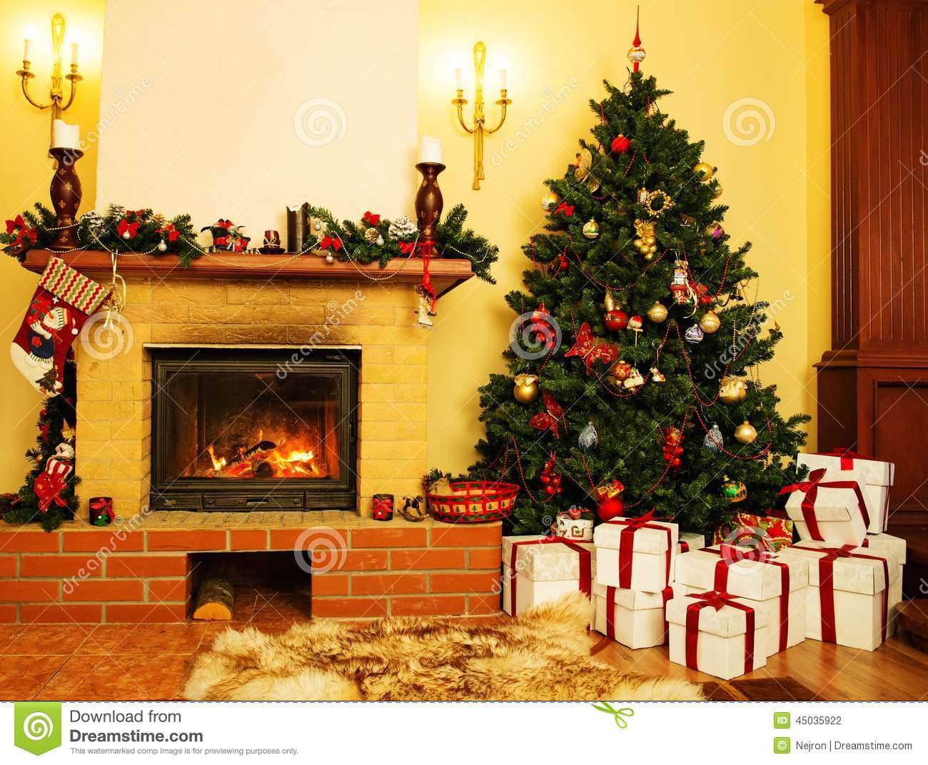 No l a d cor l 39 int rieur de maison photo stock image du for Decoration noel interieur