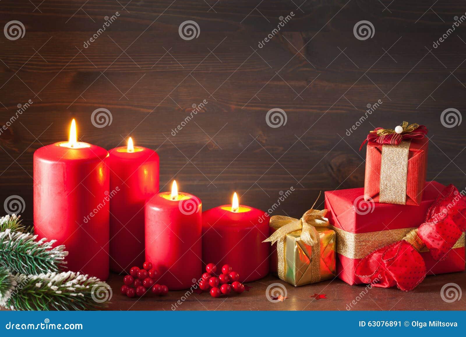Download Noël Mire Les Boîte-cadeau Rouges De Décoration Image stock - Image du présent, saisonnier: 63076891