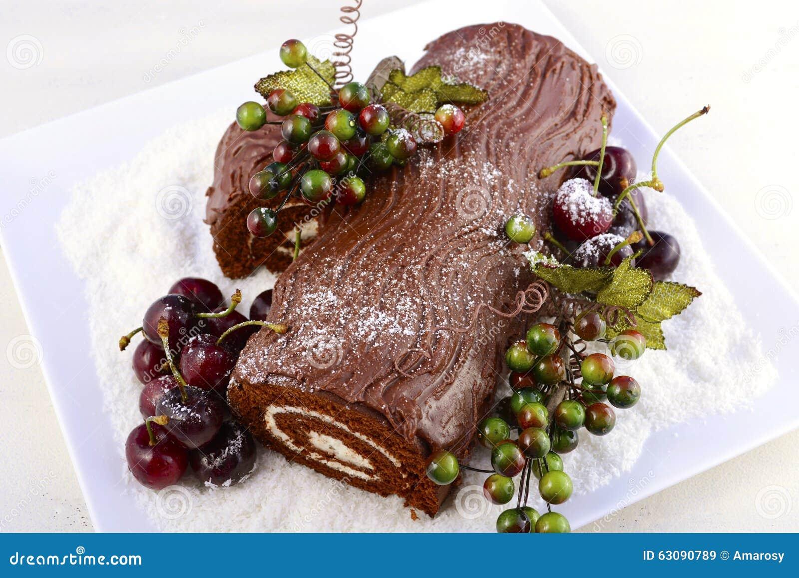 Download Noël Yule Log Cake image stock. Image du moderne, heureux - 63090789