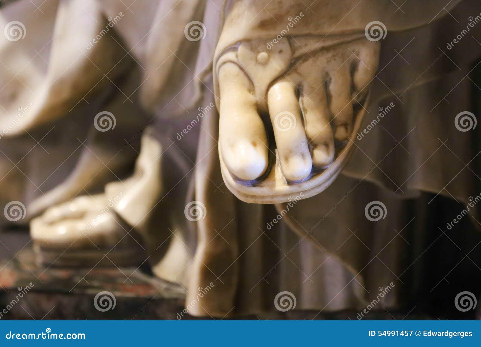 Nożny Watykan, Włochy