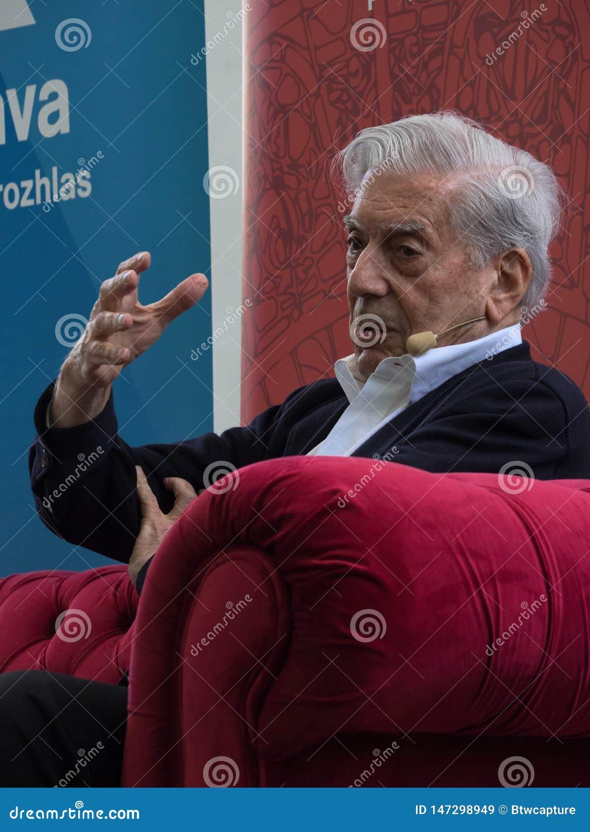 Nobelpreis laureat in der Literatur Mario Vargas Llosa auf Buch-Welt Prag 2019