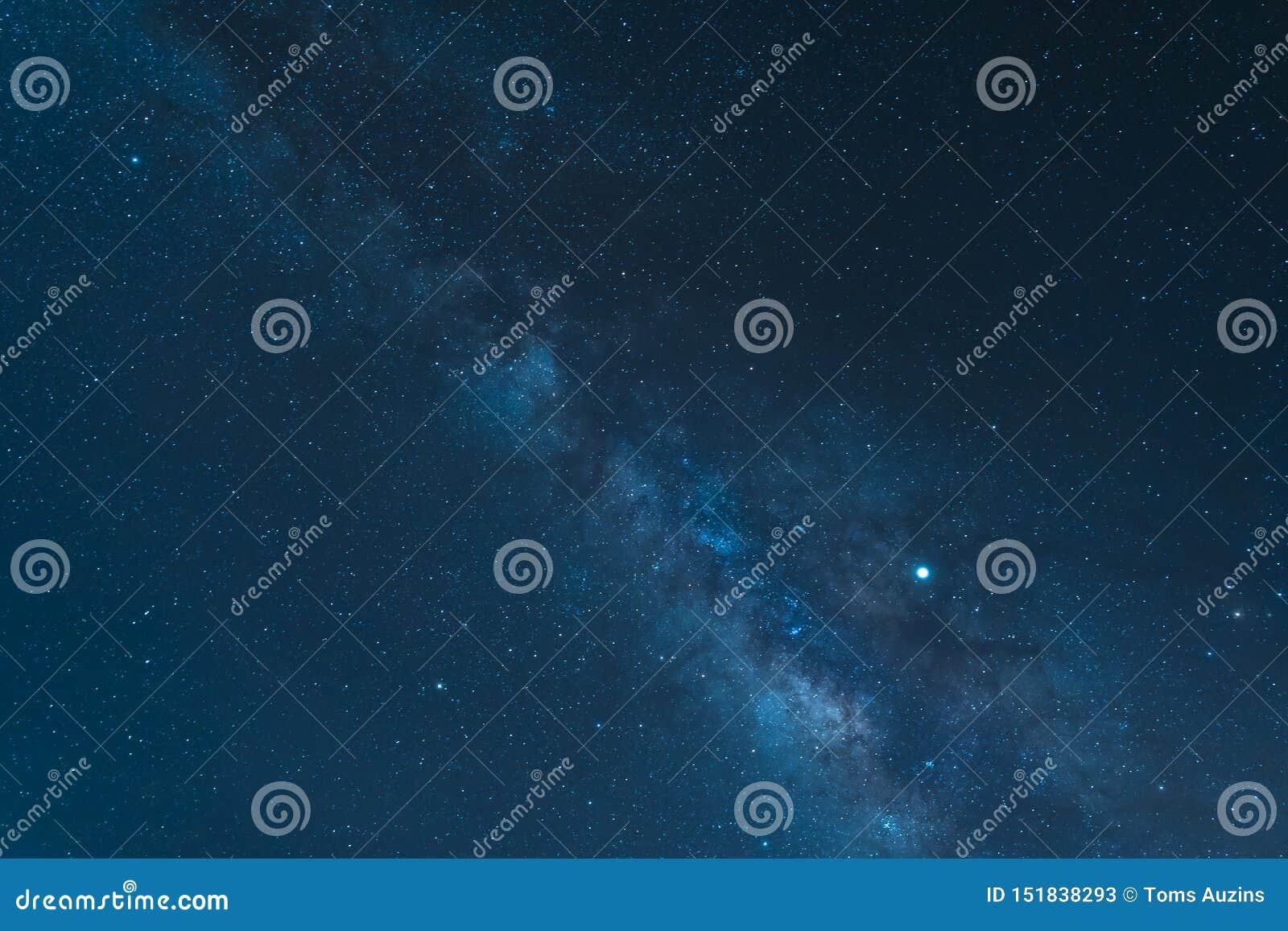 Nocne niebo i drogi mlecznej galaxy widzieć od góry Teide parka narodowego