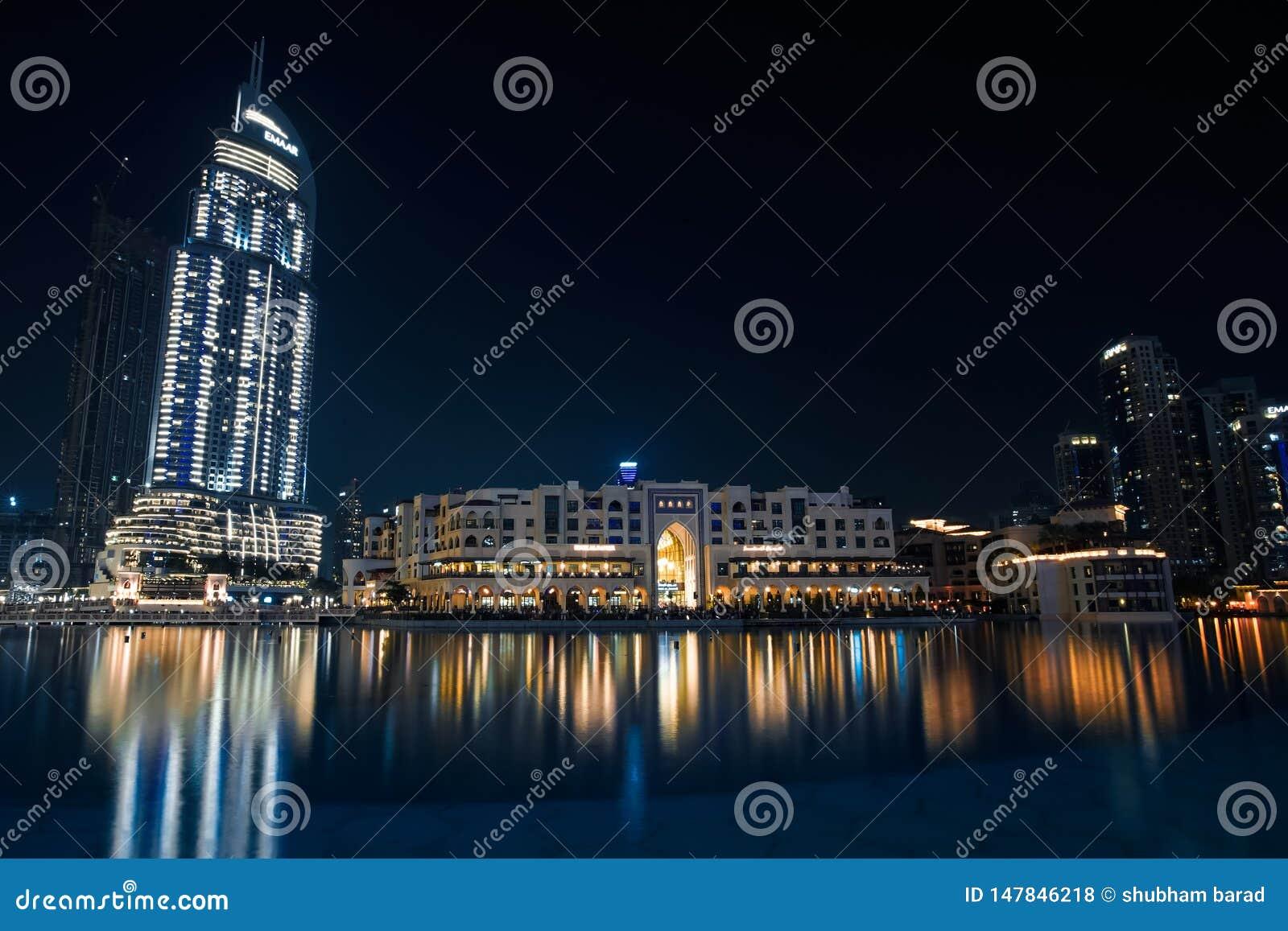 Nocy życia fotografii travelin Dubai światowy centrum handlowe