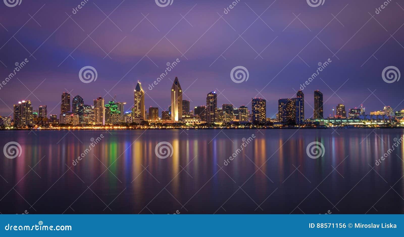 Nocy linia horyzontu San Diego śródmieście, Kalifornia