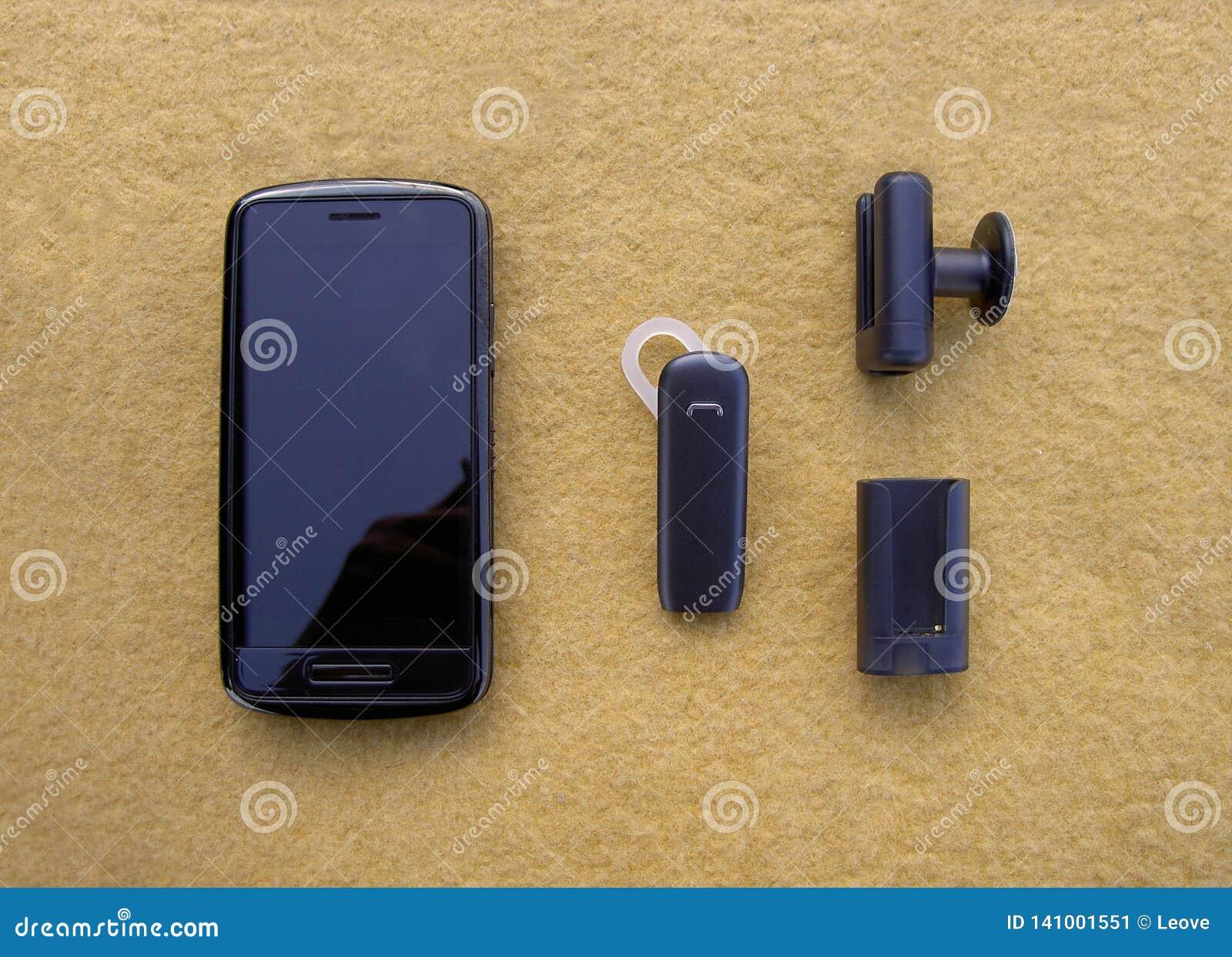 Noir de Smartphone, casque de bluetooth et supports mains libres