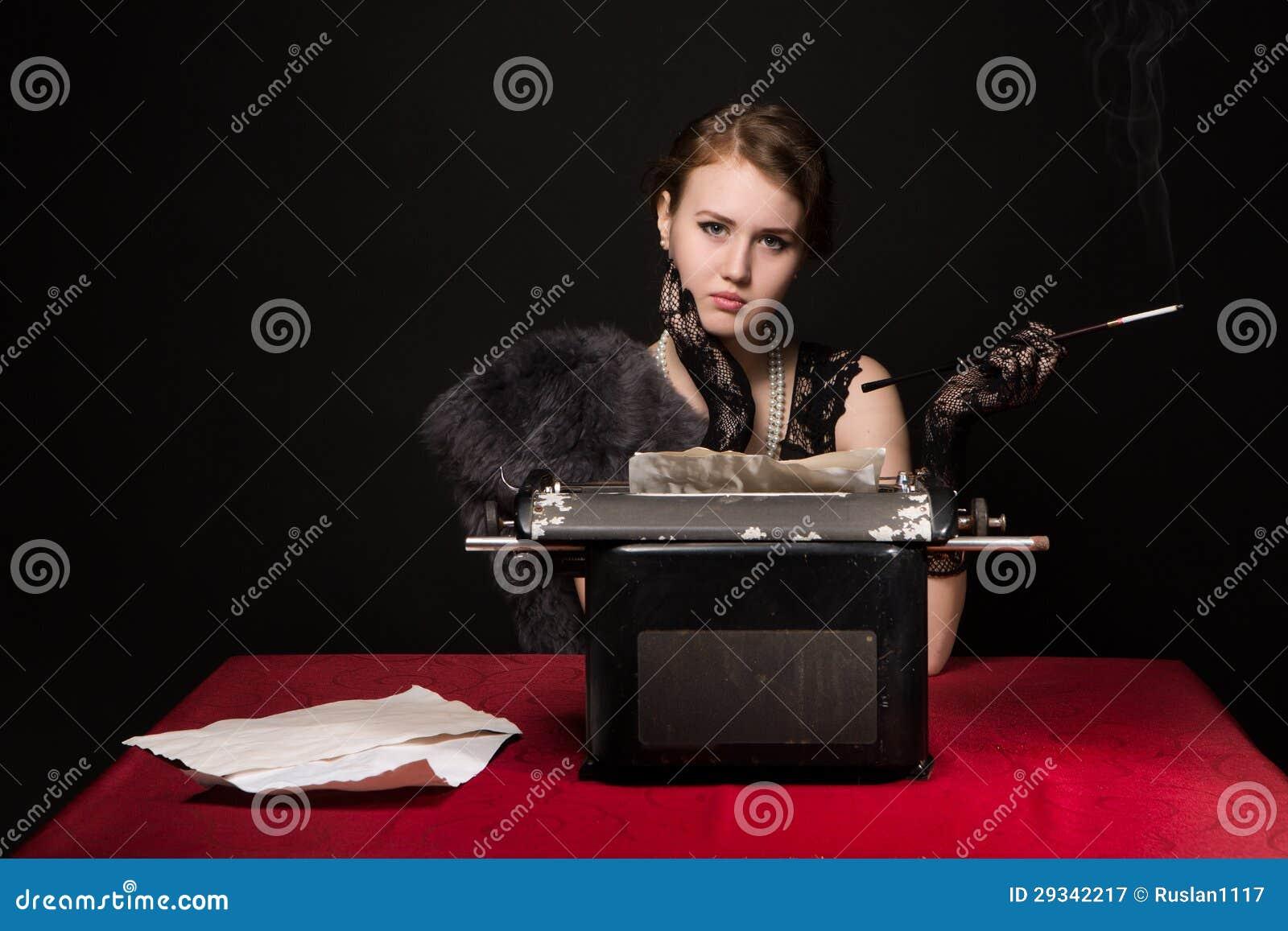 Noir Filmjournalistmädchen