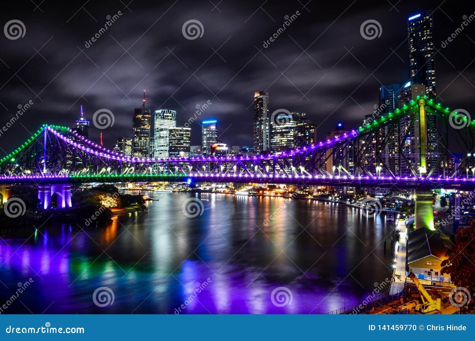 Noite da ponte da história