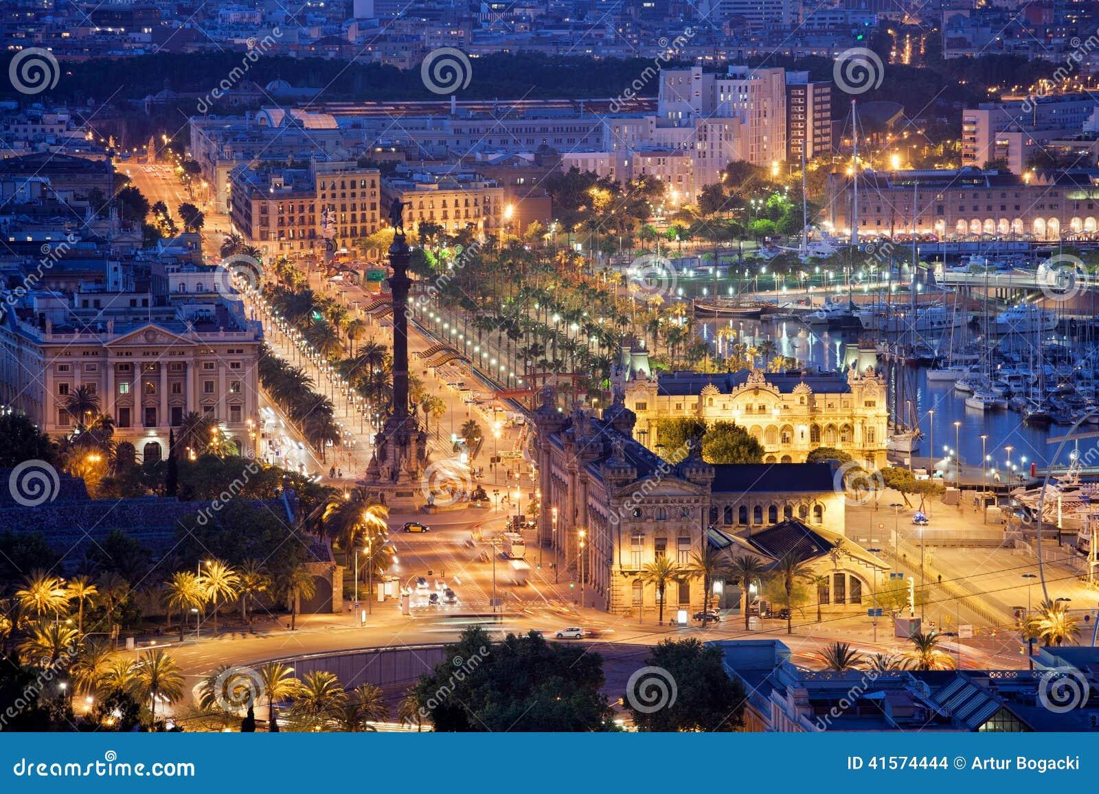 Noite Na Cidade De Barcelona Foto De Stock Imagem De Barcelona Cidade 41574444