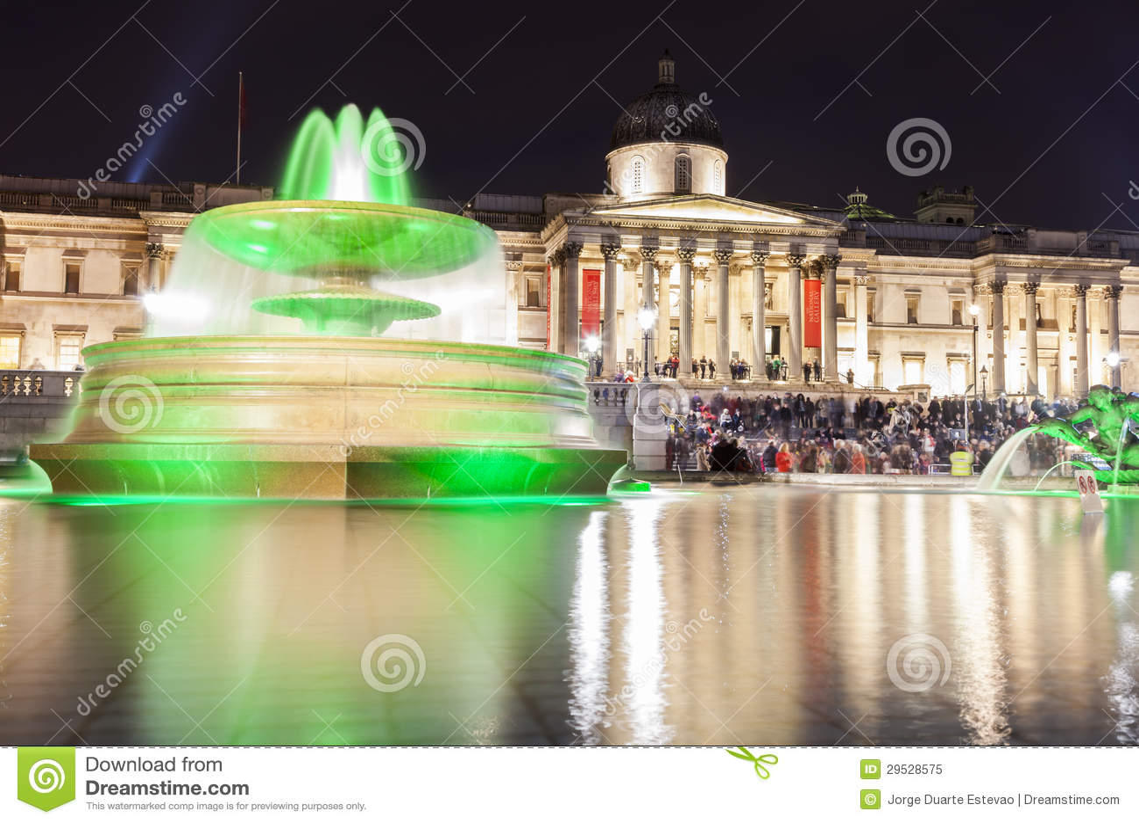 Noite no quadrado de Trafalgar em Londres