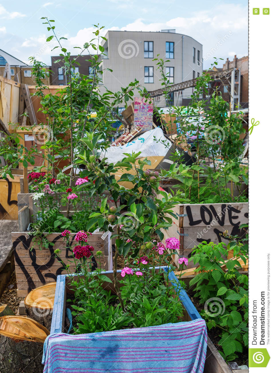 Shoreditch London Uk: Nomadic Community Gardens In Shoreditch, London, UK