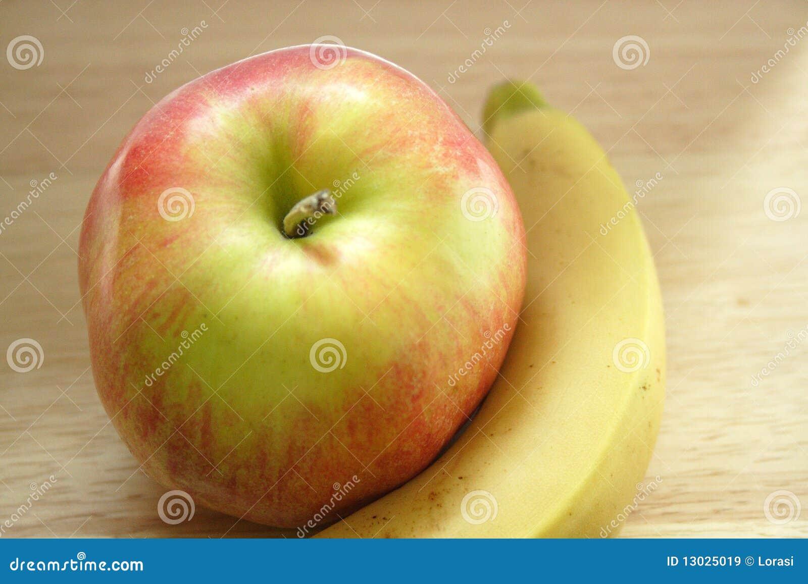 苹果香蕉葡萄智力_2010年苹果香蕉服务台2月被采取的木头