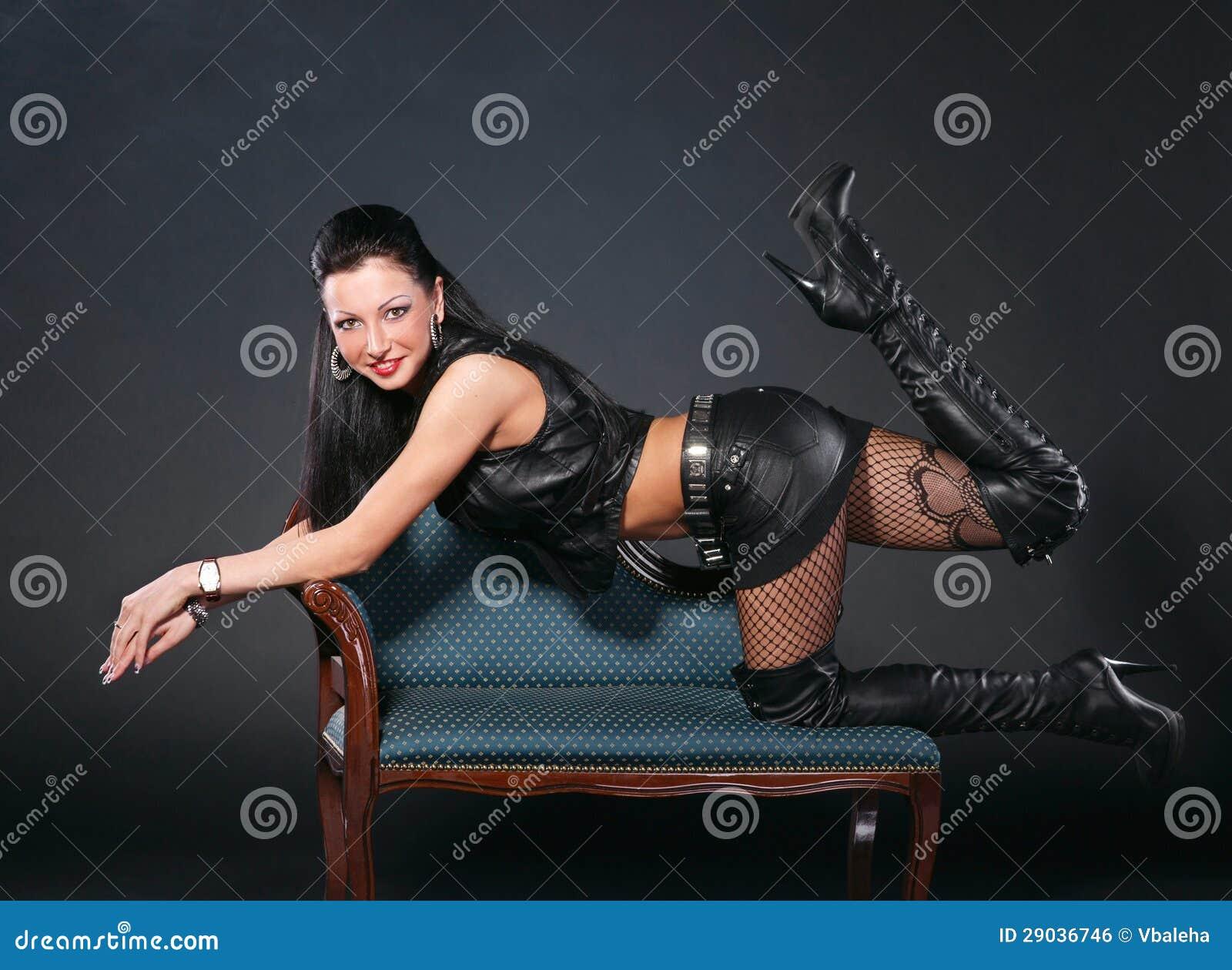 Секс с женщиной в одежде 12 фотография