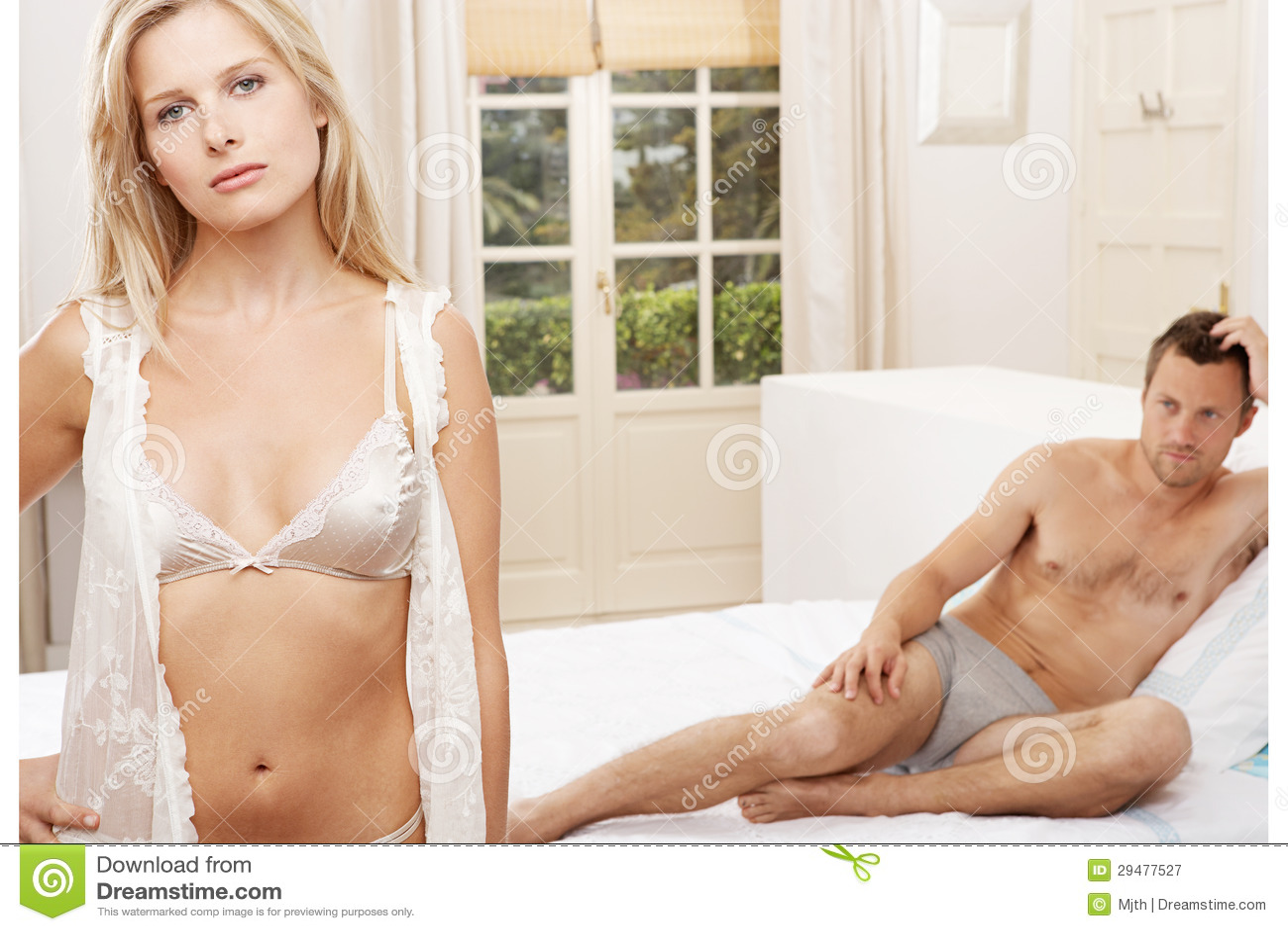 Секс подругой в спальни 13 фотография