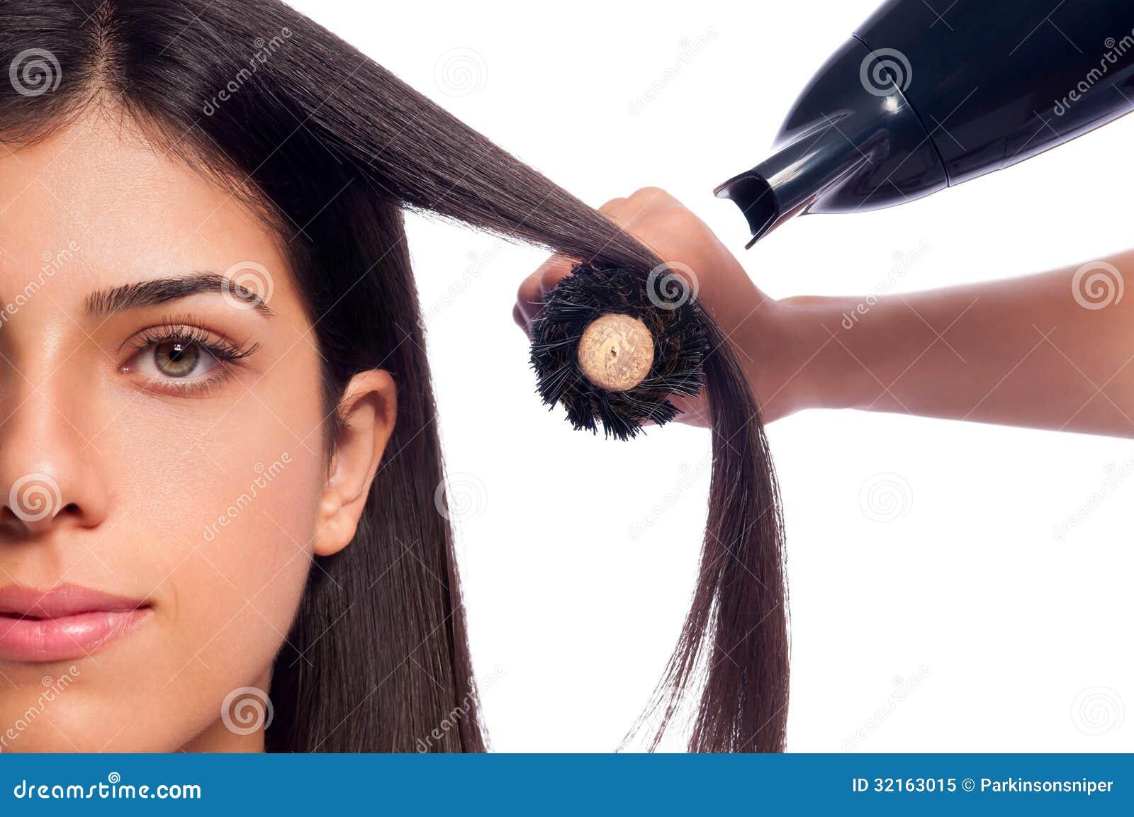 吹干女孩头发 免版税库存照片 - 图片: 32163015图片