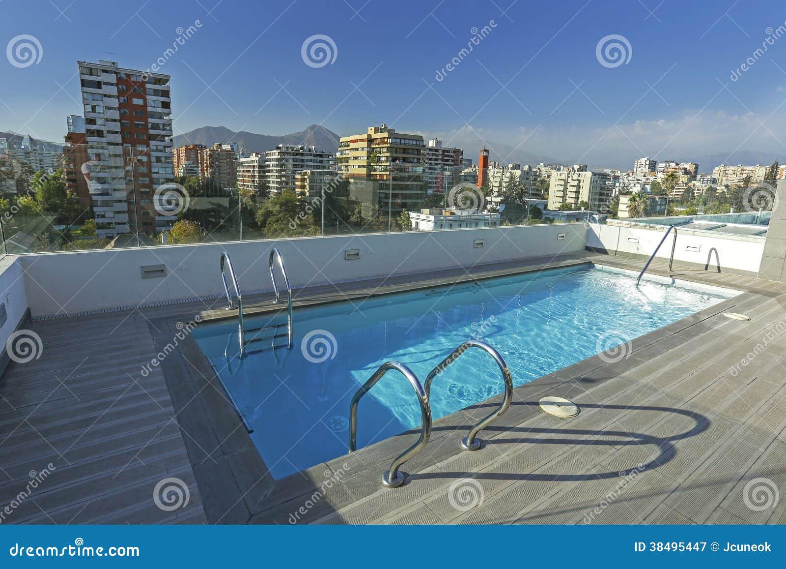 屋顶泳池_屋顶游泳池