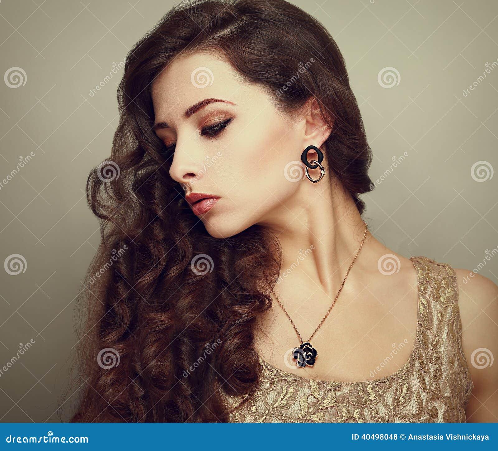 Фото красивых женских профилей 3 фотография