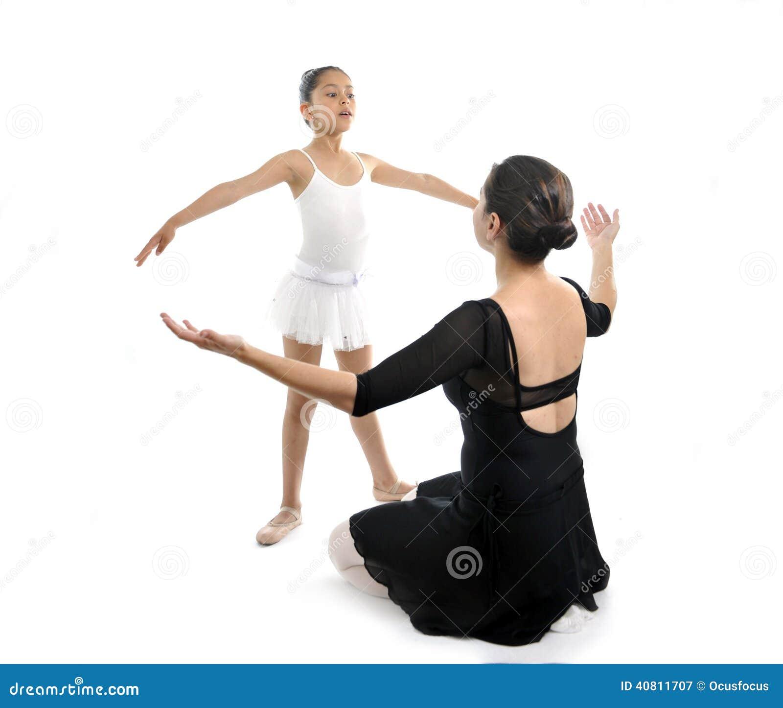 学到与胖胖教案老师的年轻小女孩芭蕾舞女演员中班课.芭蕾女性舞蹈兔v胖胖图片