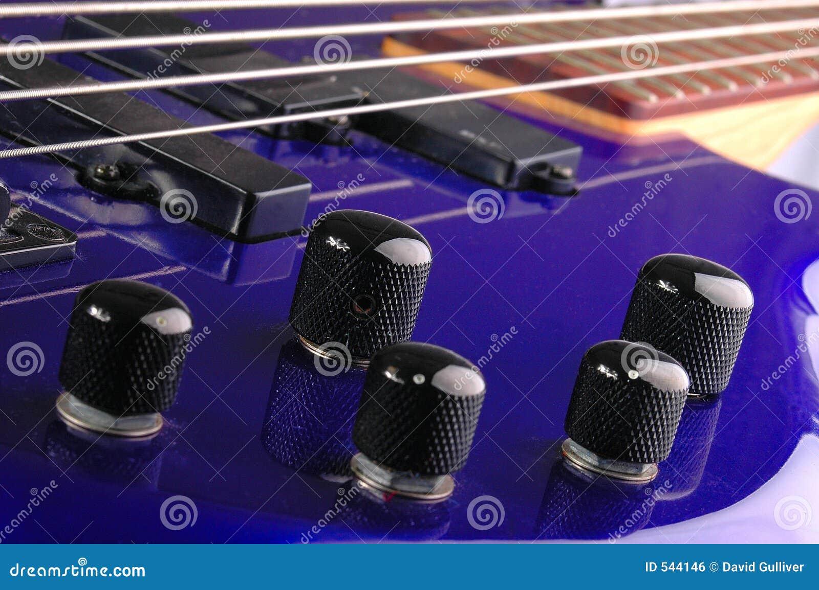 Download 瘤 库存照片. 图片 包括有 音乐, 紫罗兰色, 岩石, 商业, 数量, bambi, 紫色, 虚拟, 大声 - 544146