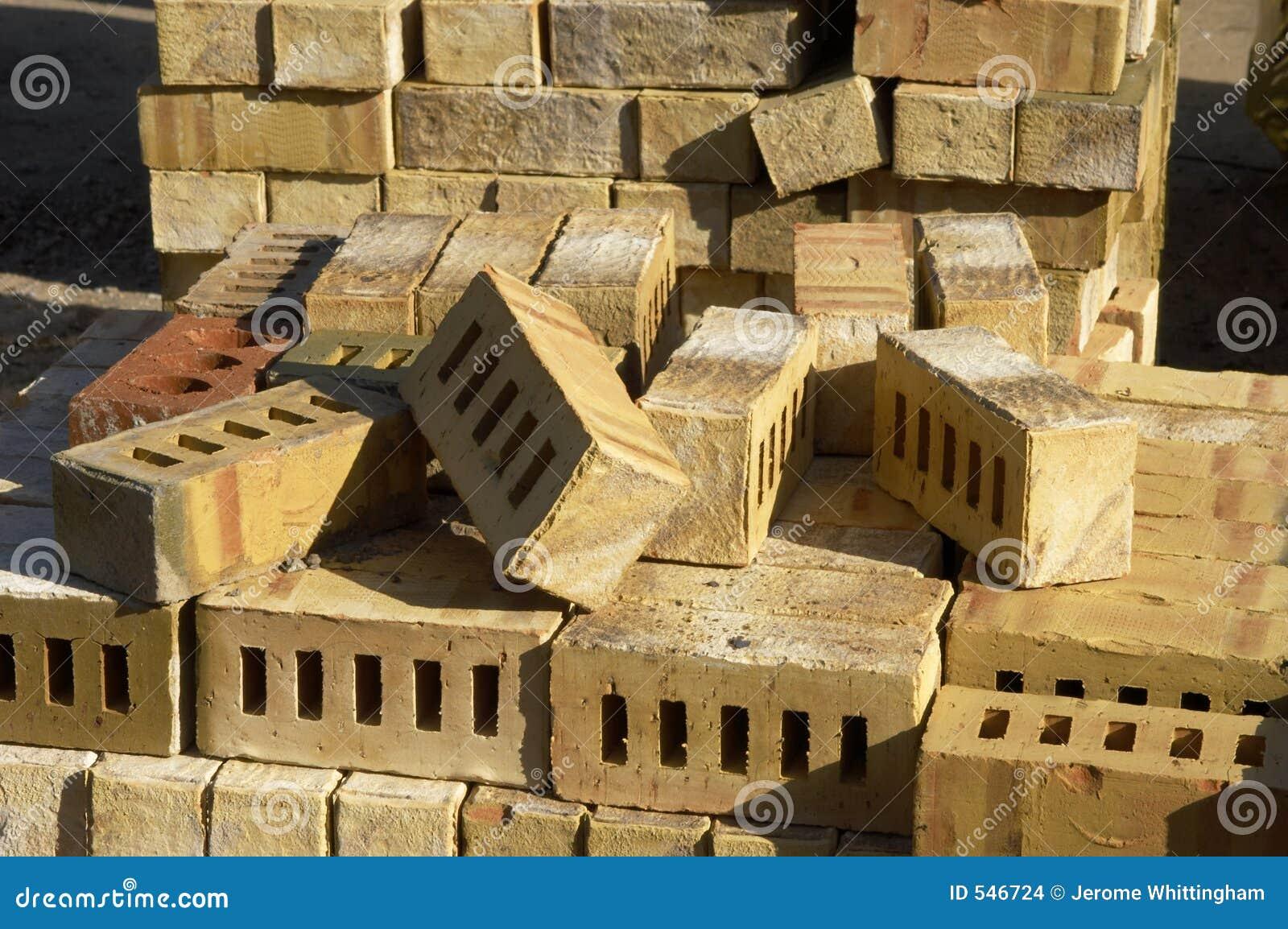 Download 砖 库存照片. 图片 包括有 出气孔, 黏土, 布琼布拉, 材料, 工作, 酿酒厂, 射击, 原始, 发展, 堆积 - 546724